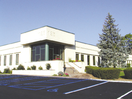 Stark Carpet Corp And Duralee Fabrics Take Space At 125