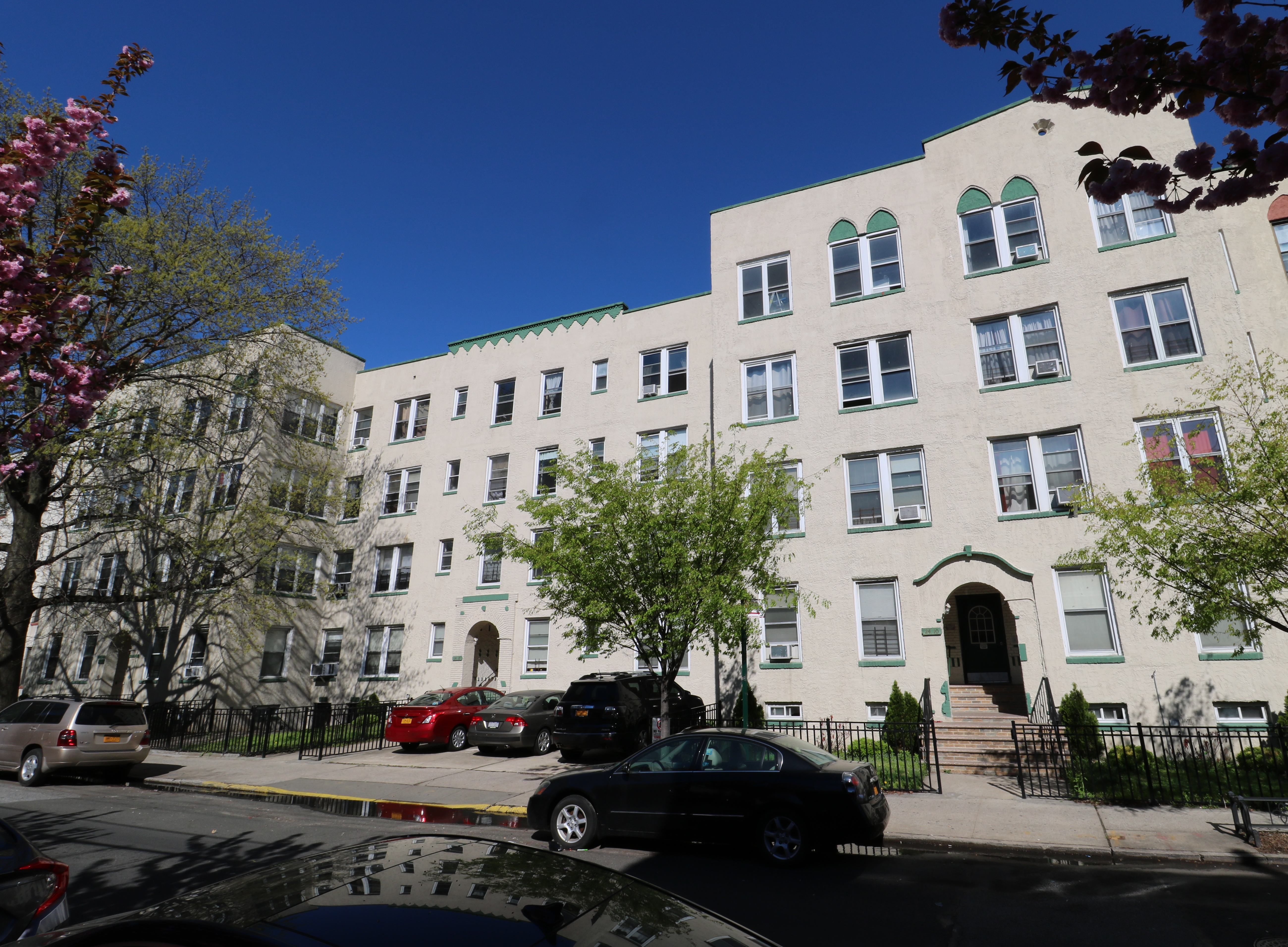 Corbin And Kline Of Besen Associates Sell Astoria Apartment