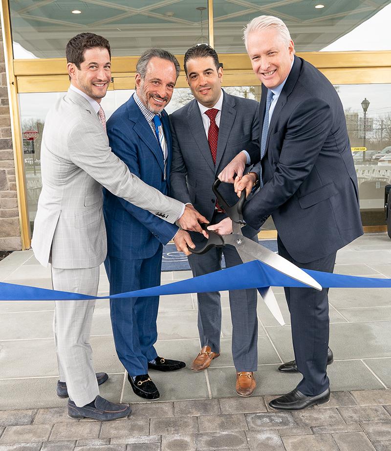 Jericho New York Apartments: EBG Celebrates Ribbon Cutting Of 200,000 S/f Assisted