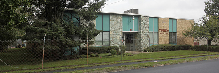 Pezza of NAI Long Island and Fiorini of Alliance Real Estate broker $1.6 million sale of 10,000 s/f in Huntington Station