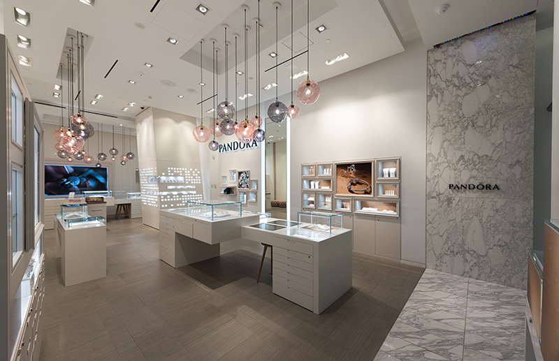 82303f170 Shawmut to complete 13 stores at Westfield World Trade Center Mall ...